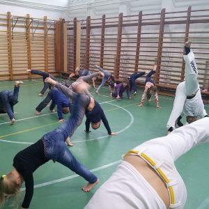 capoeira bemutató négyzet